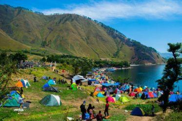 10 Destinasi Wisata Danau Toba
