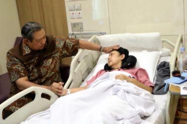 Ibu Ani Yudhoyono 1
