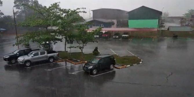Hujan Riau 1 Min