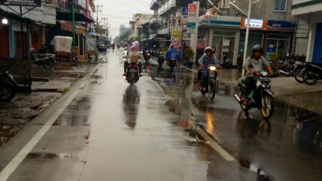 Hujan Riau Min