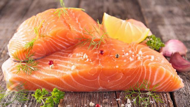 054597500 1494573556 Ikan Salmon5
