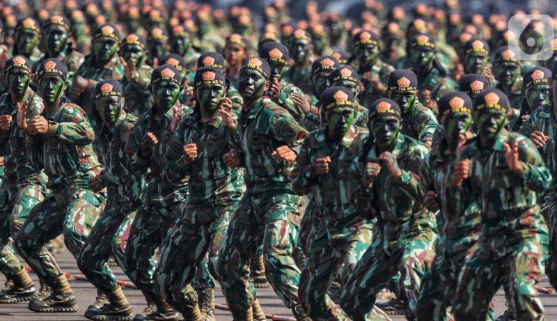 050073800 1570256413 20191005 Terjun Payung HUT TNI 11