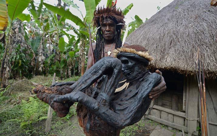 47 Mumi Di Papua (1)