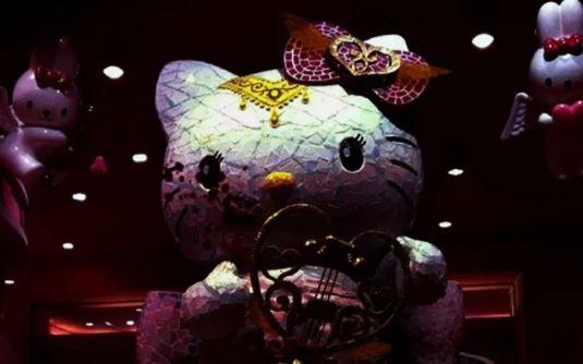 Boneka Hello Kitty Tidak Punya Mulut