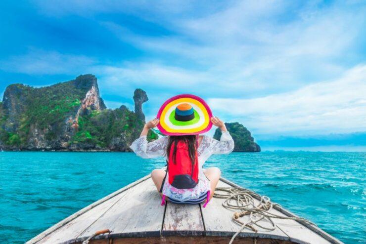Tips Menjaga Tubuh Tetap Sehat Saat Traveling