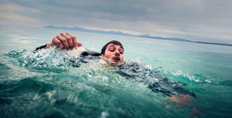 Apa Yang Terjadi Pada Kita Saat Tenggelam Di Suhu Air Yang Sangat Dingin?