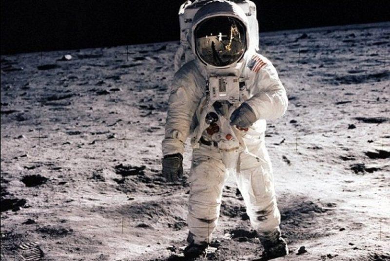 Pendaratan Di Bulan Ilustrasi 160724074718 205