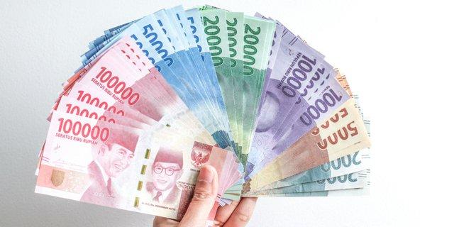 Uang Tunai - 5 Barang Penting
