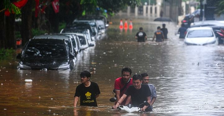 Asuransi Yang Wajib Dimiliki Untuk Kamu Yang Tinggal Di Tempat Rawan Banjir