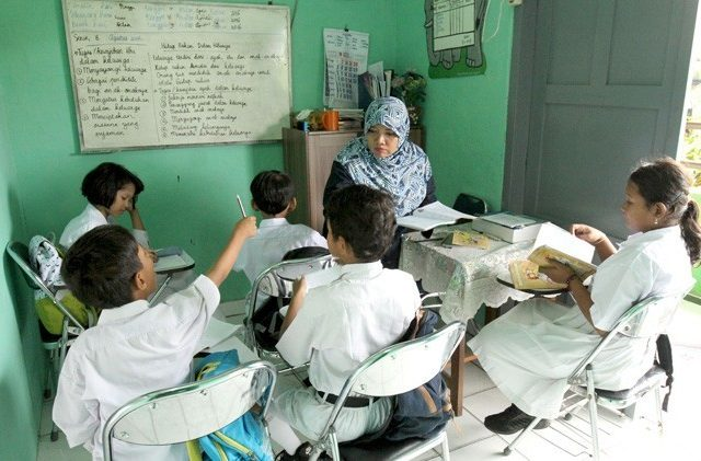 Catatan Anak Pengajar Refleksi Hari Guru Dan Apa Kontribusi Kita M 170663 640x421 1