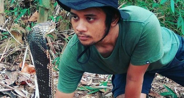 Panji Petualang Melepaskan Ular Kobra Kesayangannya Karena Disudutkan Banyak Netizen Indonesia