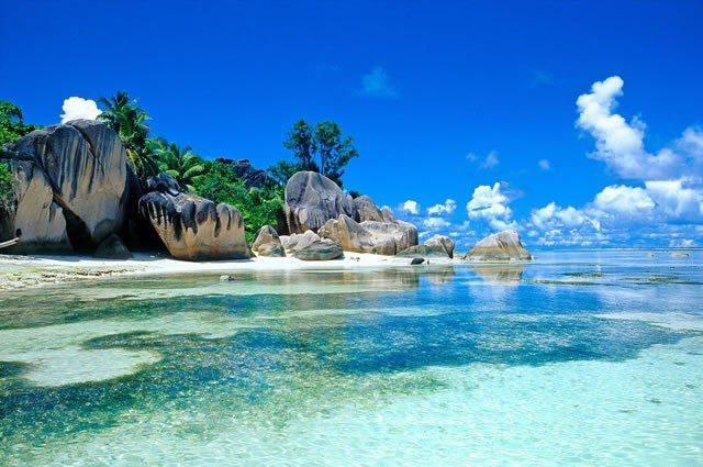 Le Digue Island