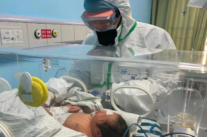 Bayi Usia 30 Jam Menjadi Pasien Termuda Terjangkit Virus Corona