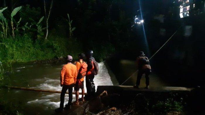 Evakuasi Korban Smp Turi Sleman