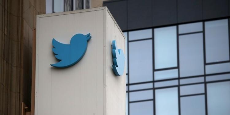 Ribuan Karyawan Twitter dan Amazon Bekerja di Rumah
