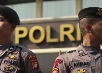 POLRI Bubarkan Masyarakat yang Berkeliaran di Jalan Demi Cegah Virus Corona