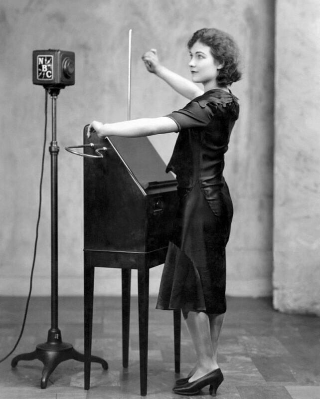 Theramin Alexandra Stepanoff 1930