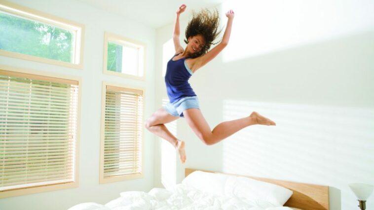 Ketahui 4 Alasan Jangan Langsung Berdiri Setelah Bangun Tidur