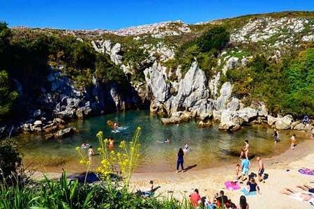 Pantai Gulpiyuri 2