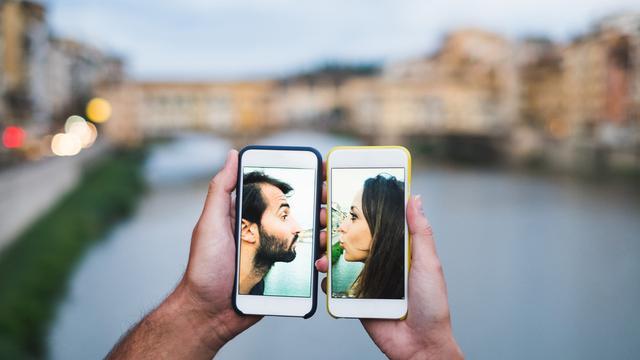 5 alasan kenapa pasangan yang sama-sama sibuk justru lebih awet dan langeng(1)https://www.liputan6.com/