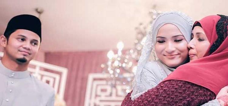 Suami Istri Mertua https://www.ruangmuslimah.co/