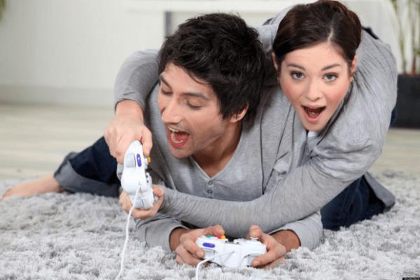 Bermain Games Bersama Pasangan
