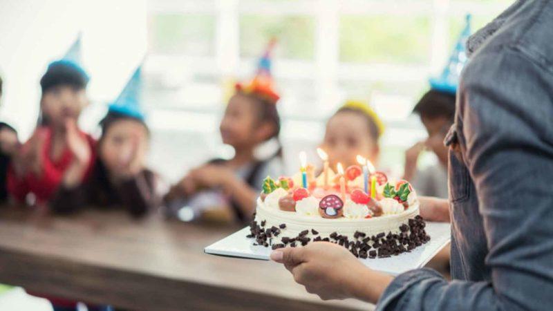 Cara Terbaik Menyimpan Kue Yang Utuh Dan Yang Sudah Terpotong