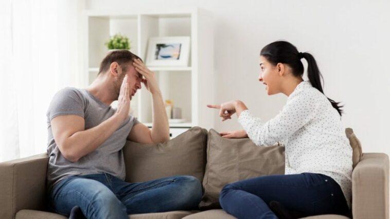 Hal Yang Tidak Boleh Dibicarakan Dengan Pasangan Kamu