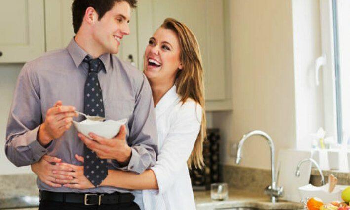 Menyambut Suami Pulang Kerja