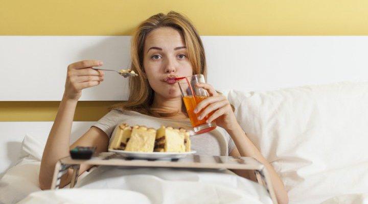 Sebelum Tidur Jangan Lakukan Hal Ini