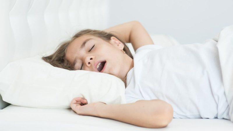 Penyebab anak mendengkur saat tidurTerjadi Pembengkakan Di Area Hidungnya