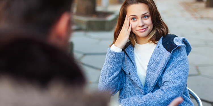 Words And Phrases To Avoid When Talking To Your Girlfriend