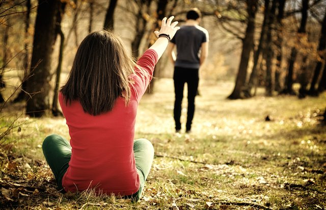 Yang Kamu Lakukan Saat Pasangan Mulai Menjauh