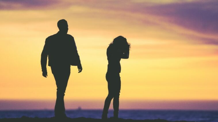 Cara membujuk pasangan ngambek