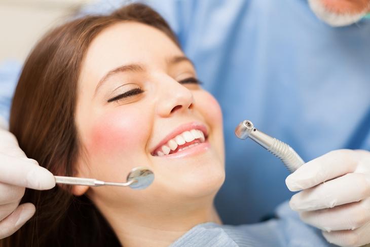 Dilakukan Proses Pencabutan Gigi