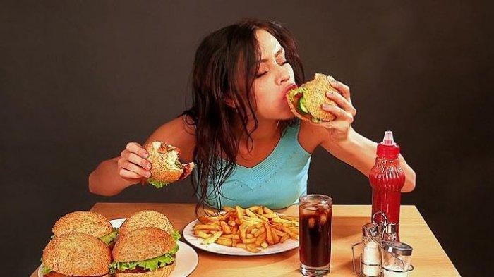 Jangan Makan Berlebihan Untuk Mengatasi Asam Lambung