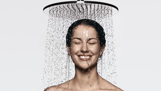 Mandi Dengan Air Hangat