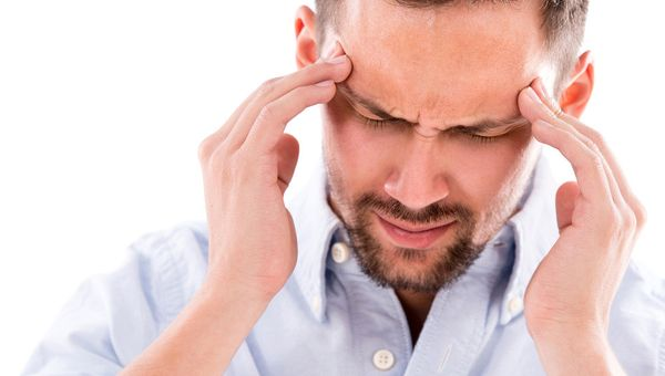 090331000 1517491490 Awas Sakit Kepala Gejala Adanya Penyakit Serius By Esb Professional Shutterstock