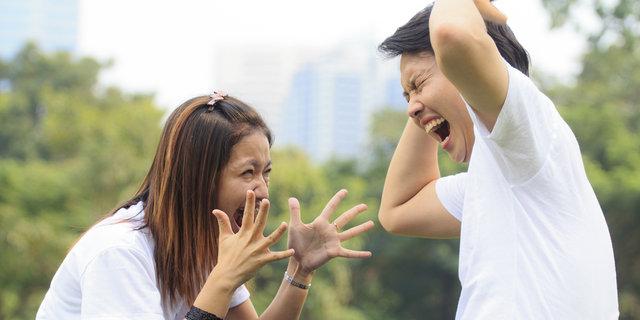 10 Kesalahpahaman Yang Bikin Cowok Dan Cewek Selalu Berantem