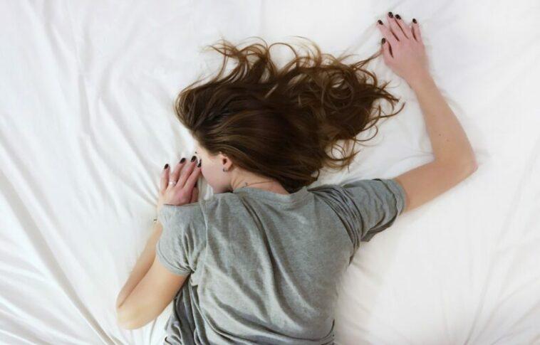 Mengapa Orang Tidur Cenderung Tidak Mendengar