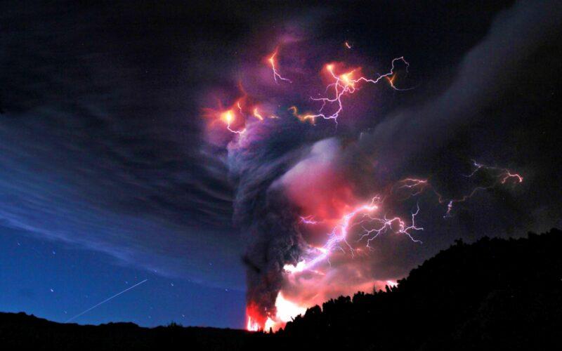 Volcanoc Lightning