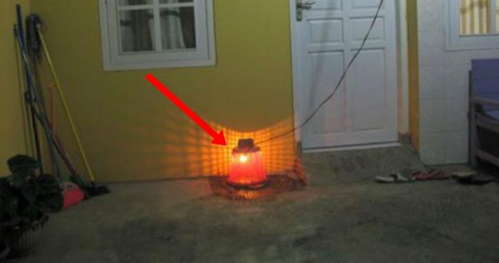 Ari Ari Dikubur Dengan Dipasangi Lampu Bohlam