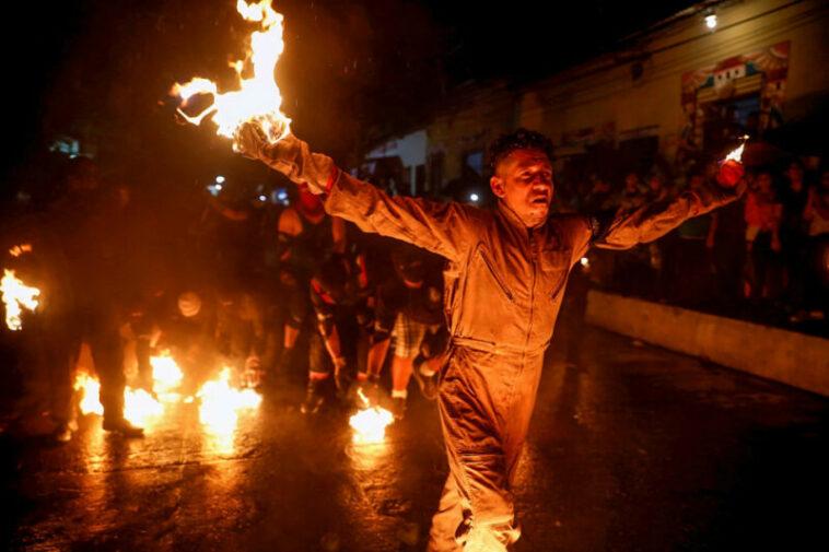 Festival Bola Api Di Kota Nejapa