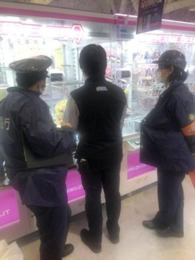 Pria Yang Melapor Polisi Karena Frustasi Atas Permainan Mesin Capit