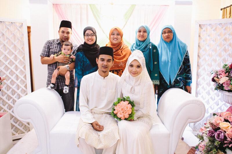 Keluarga Besar Foto Bersama Pengantin
