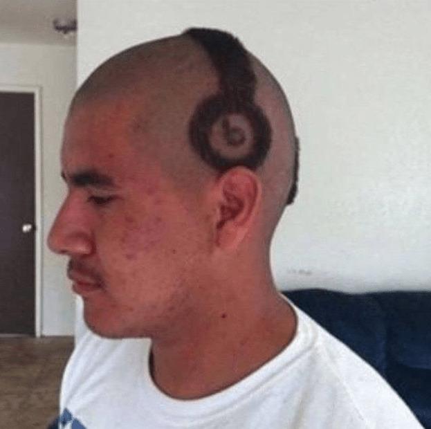 Model rambut headset