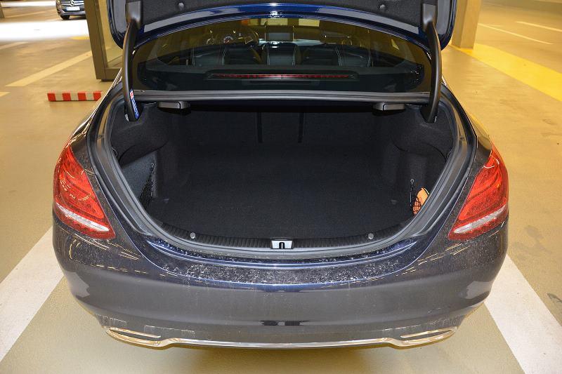 2015 Mercedes Benz C250d Trunk