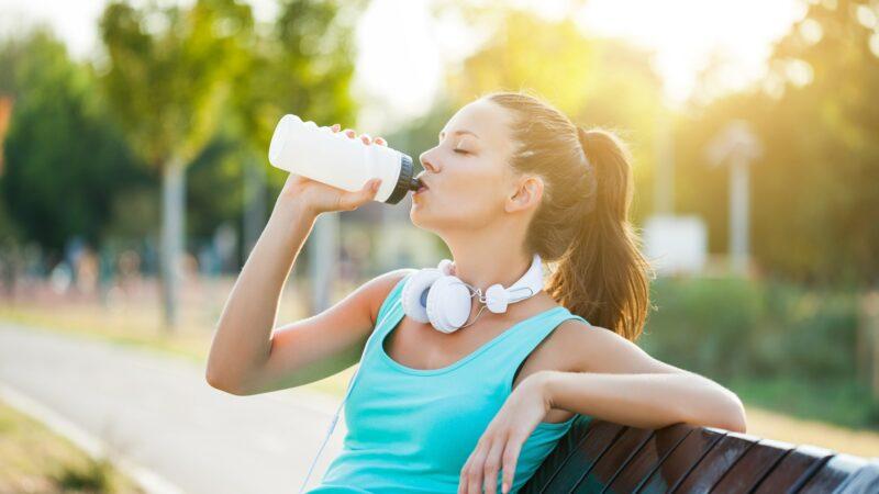 Bahaya Memakai Ulang Botol Air Minum Sekali Pakai