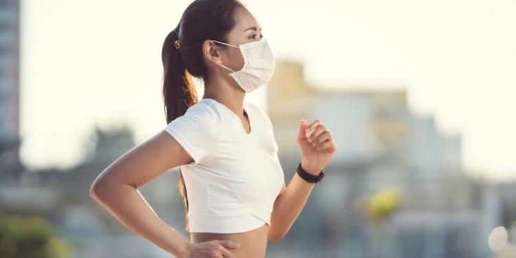 013499900 1586179230 Mau Olahraga Outdoor Saat Pandemi Virus Corona Ikuti Xx Langkah Ini Shutterstock 1659868321