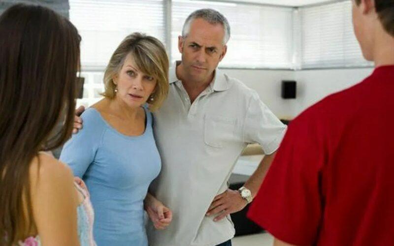 alasan orang tua melarang kita pacaran